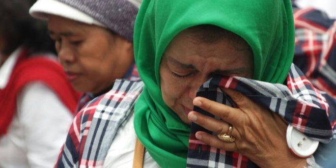 Image result for pendukung ahok menangis ahok di vonis