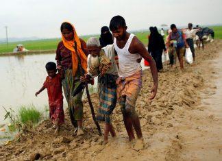 Rohingya melarikan diri